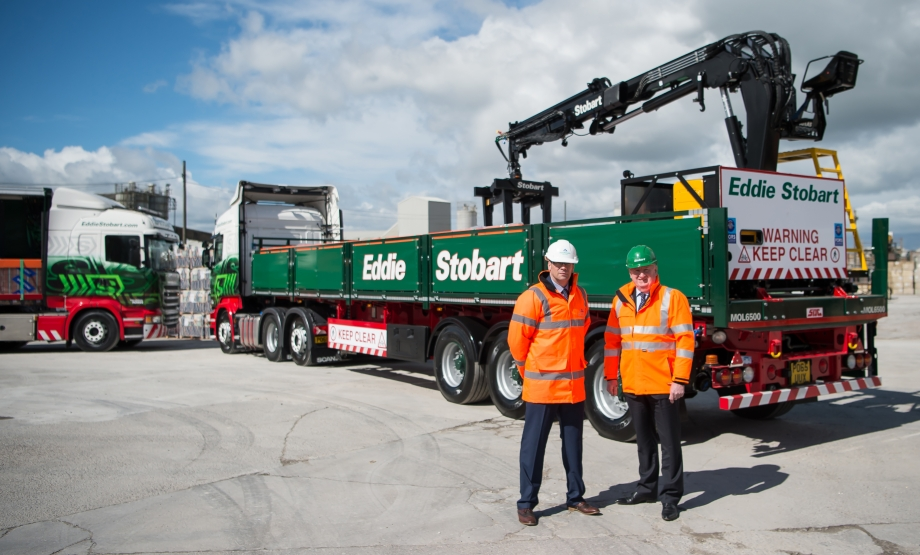 Simon & Alex with the brand new, specially-designed mechanical offload trailer
